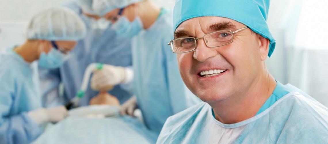 Chirurg plastyk w opiniach. Co oceniają pacjenci i jak wyciągać wnioski?