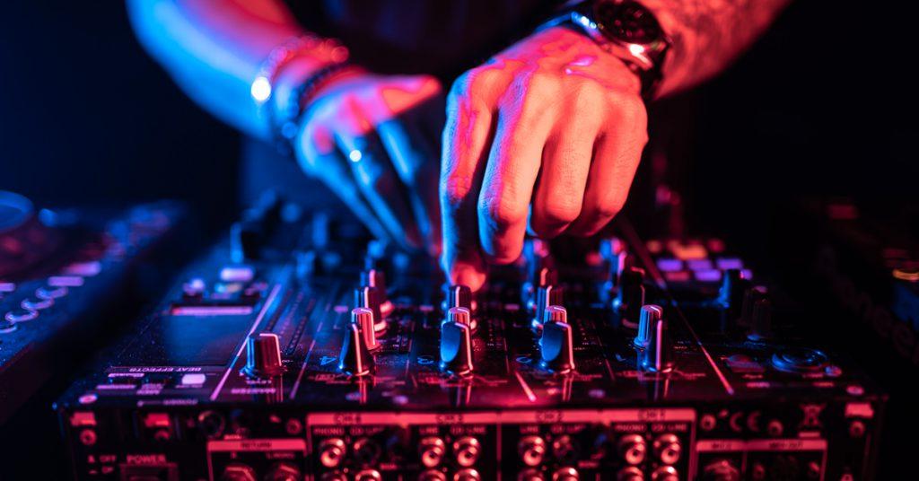 Bądź jak DJ. Używaj odzyskiwane treści w marketingu